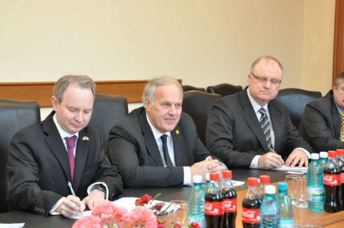 Visit of the EASST Director and  British Road Safety Experts in Moldova